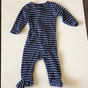 Carter's One Pieces - Bundle of 4 footie one piece pajamas size 6-9 mon